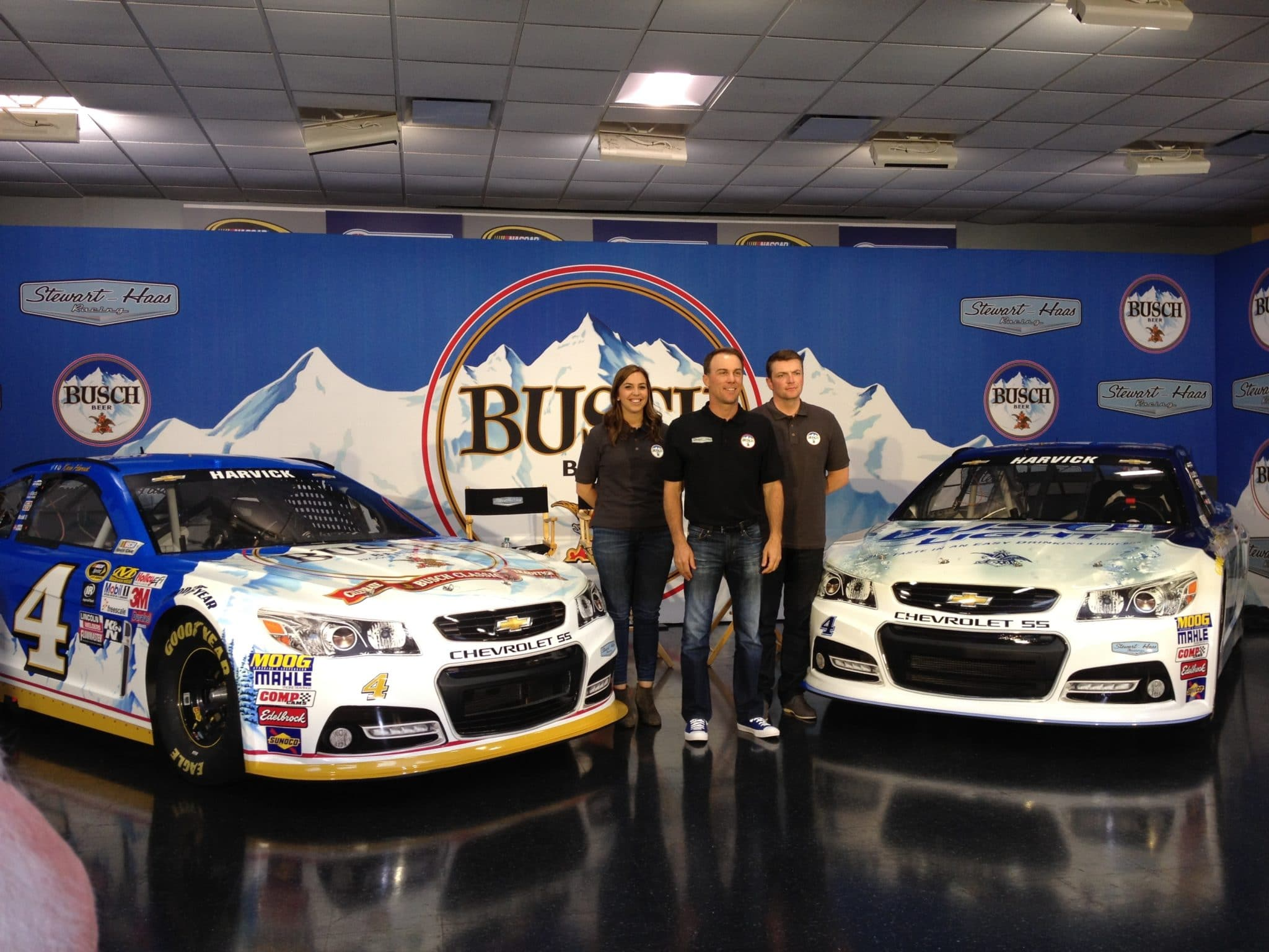 2015 Charlotte II CUP KEvin Harvick car reveal credit Amy Henderson
