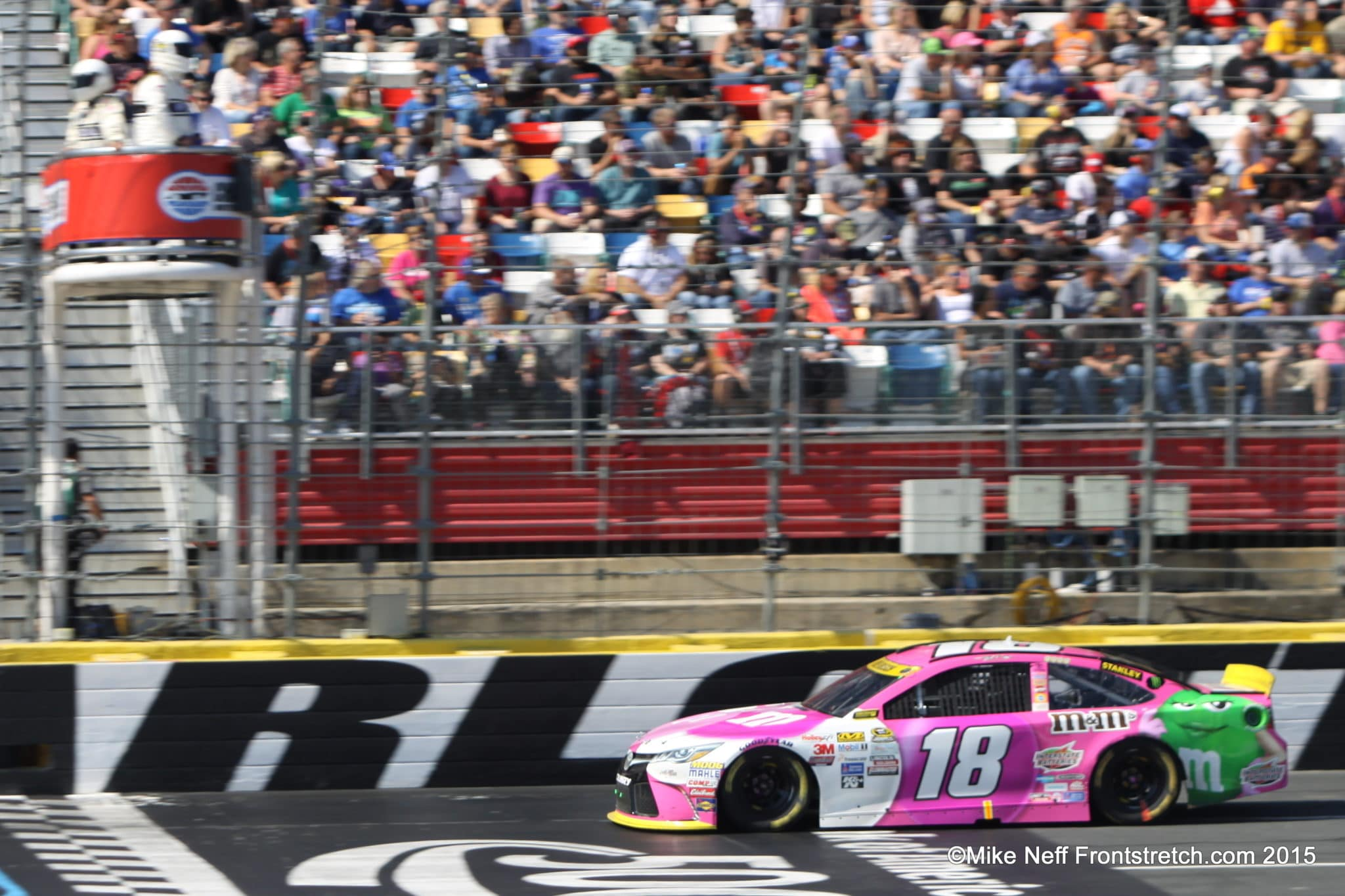Kyle Busch Bank of America 500 2015 Charlotte Cup Mike Neff1