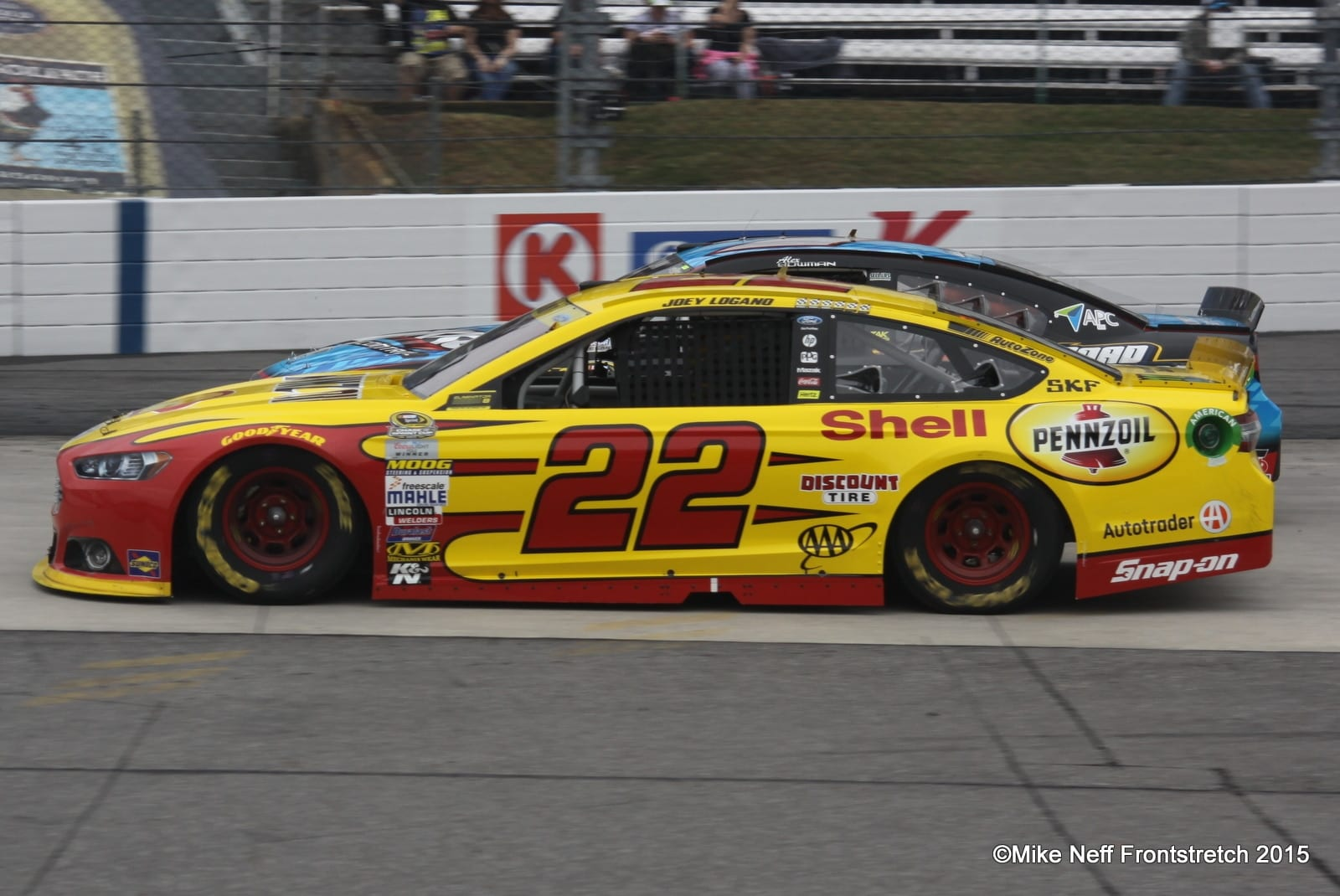 Martinsville Joey Logano 2015 Cup Mike Neff
