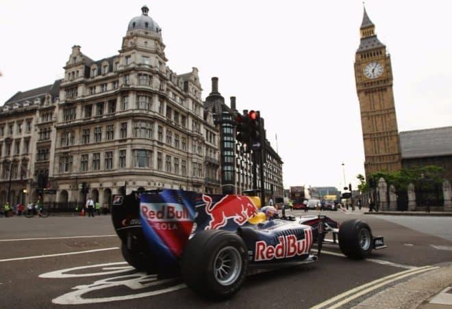 la formula 1 se viste de gala por las calles de londres f1 live london 201737722 1