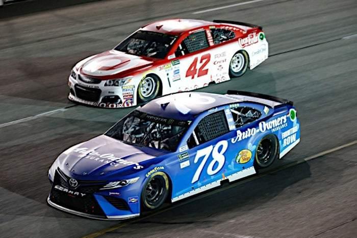 2017 Richmond II CUP MArtin Truex Jr Kyle Larson racing Matthew T Thacker NKP