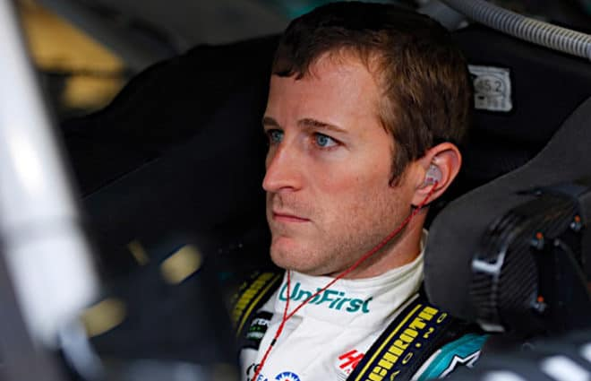 Pace Laps: Kasey Kahne's Endless Pursuit of… What? & Exciting NASCAR Racing In Iowa
