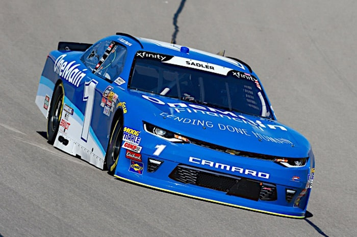 Elliott Sadler Toughs Out Top 5 Finish at Charlotte