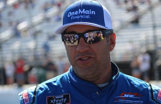 Elliott Sadler To Retire From Racing Full-Time At End of 2018