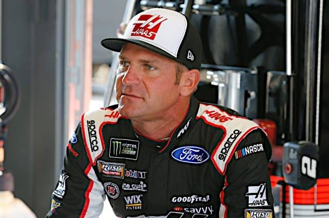 Clint Bowyer Fastest In Final Practice At Atlanta, Kyle Busch Crashes