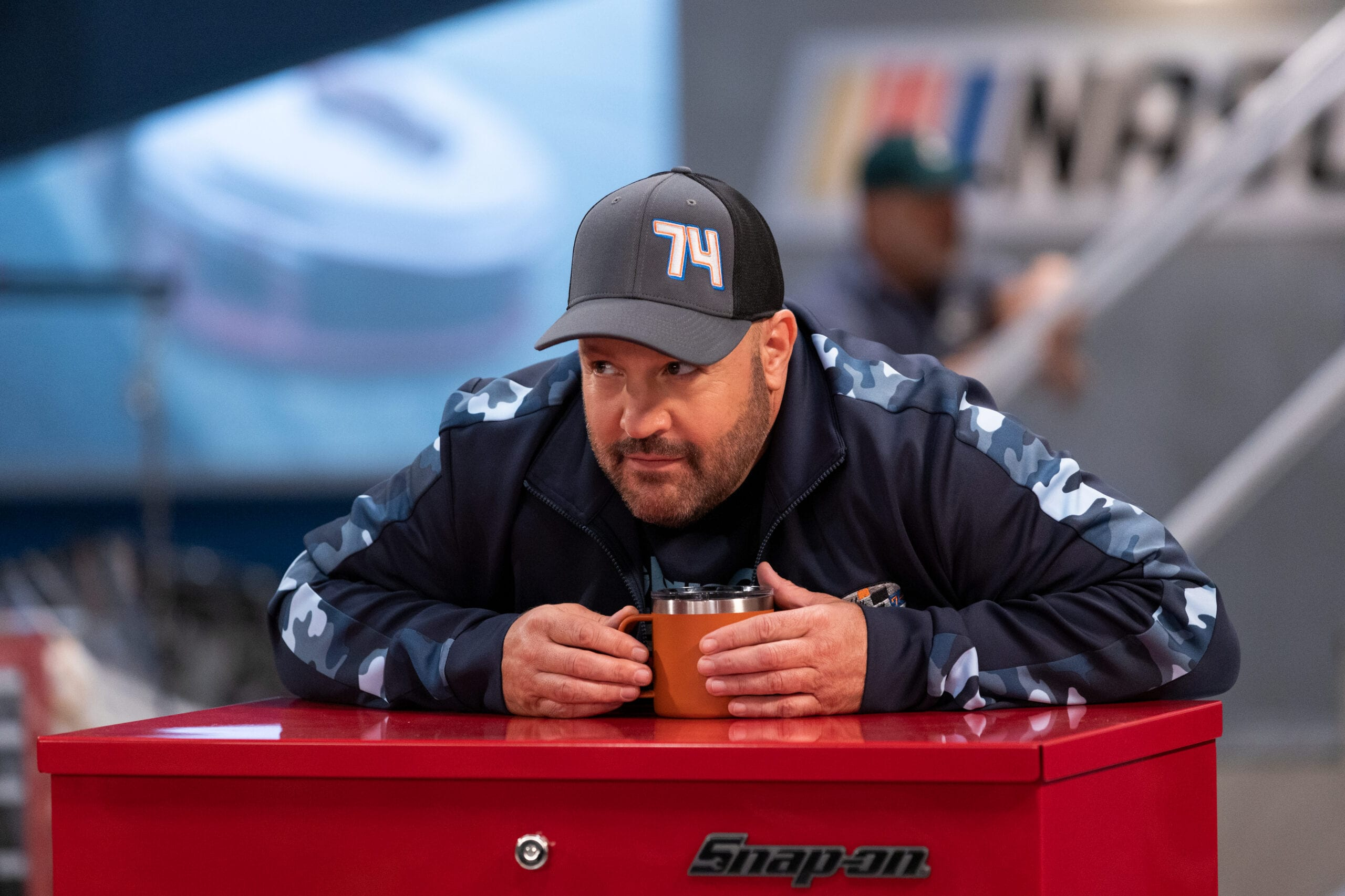 Kevin James in The Crew