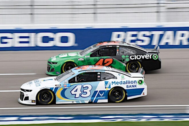Ross Chastain and Erik Jones racing during the Pennzoil 400 presented by Jiffy Lube, 3/7/2021 (Photo: Nigel Kinrade Photography)