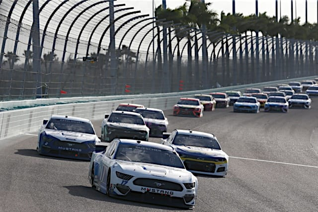 NASCAR Cup Series action in the 2021 Dixie Vodka 400 at Homestead-Miami Speedway Photo: NKP